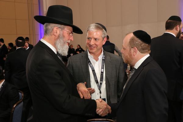 Rabbi-Cohen-with-Ari-stern